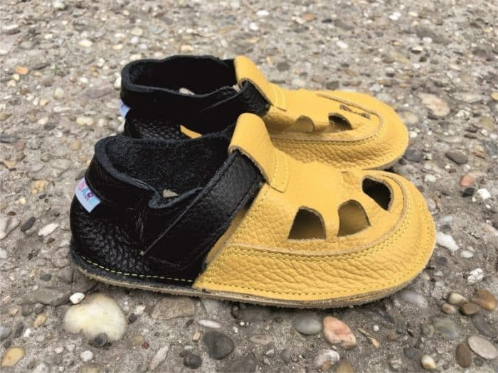 baby bare shoes ananas
