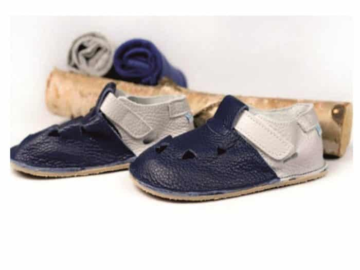 baby bare shoes front perforation gravel