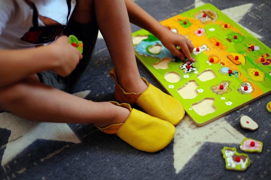 shapen barefoot cutie capacky pre deti