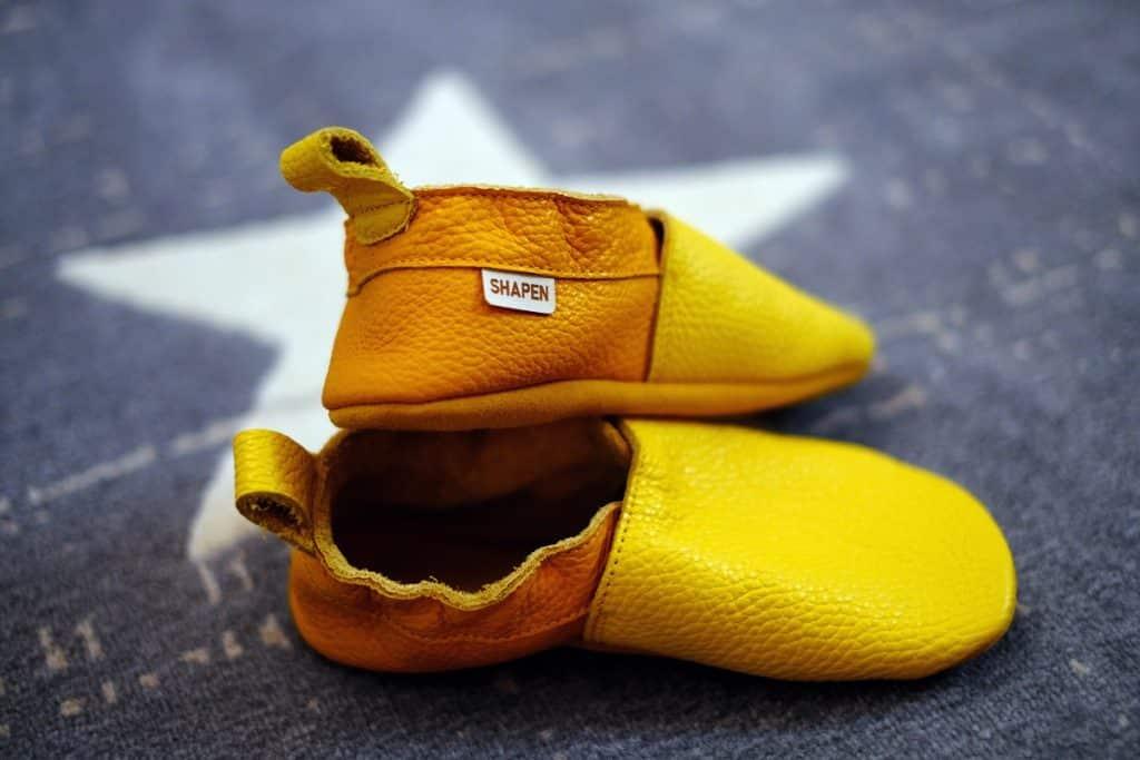 shapen barefoot capacky cutie